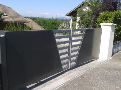Portail automatisé fabrication sur mesure à Chambéry, Aix les Bains, Annecy